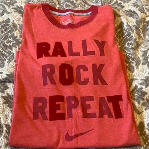 NIKE Red  FITTED TEE-used in excellent condition
